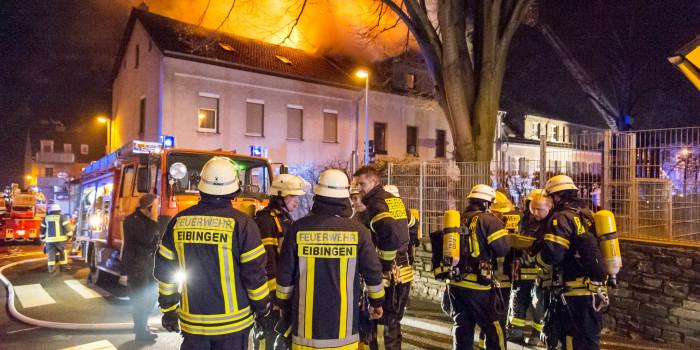 Feuer zerstört Dachstuhl in Rüdesheimer Asylbewerberheim