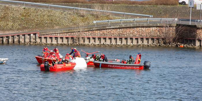 Segelboote kentern im Schiersteiner Hafen – vier Jugendlichen leicht verletzt
