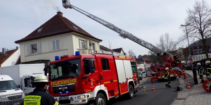 Eine Verletzte bei Kaminbrand in Eppstein