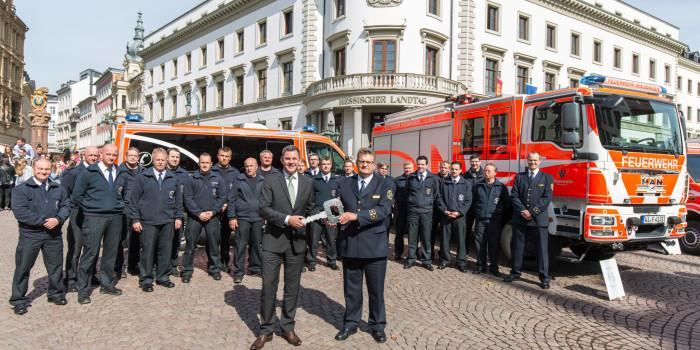 Fünf neue Fahrzeuge an die Berufsfeuerwehr Wiesbaden übergeben