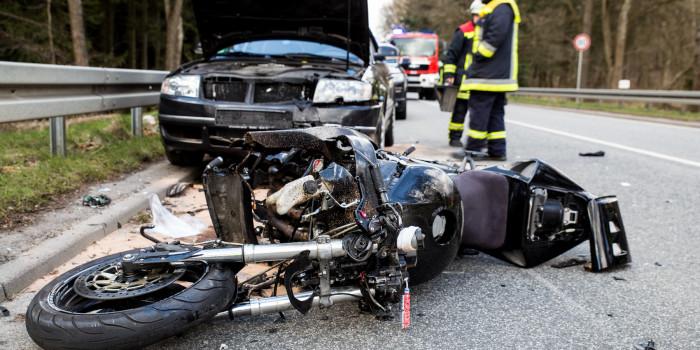Schwerer Motorradunfall am Ostersonntag auf der B54