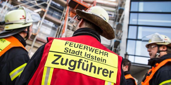Brandbekämpfung und Menschenrettung in der Idsteiner VR-Bank