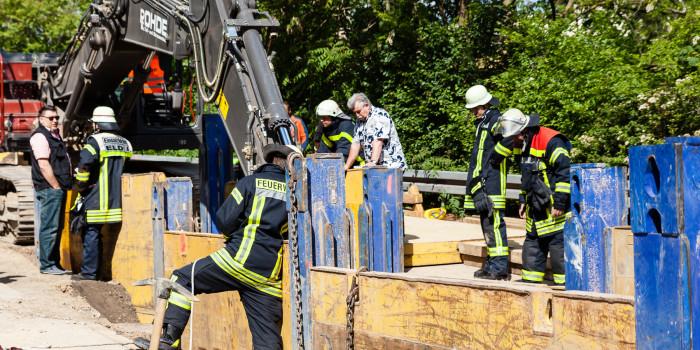 Tödlicher Bauunfall in Mainz: Bauarbeiter stirbt in Grube