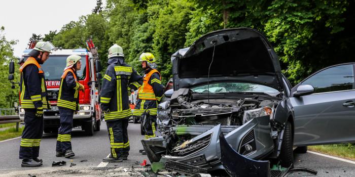 Vier Verletzte bei Frontalzusammenstoß bei Bad Schwalbach