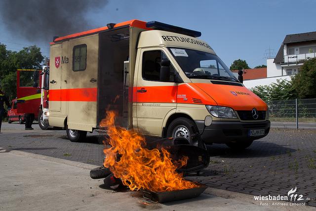FeuerwehrSIM 2015: Mainzer Feuerwehren üben gemeinsam mit Polizei, THW und Rettungsdienst in verschiedenen Szenarien