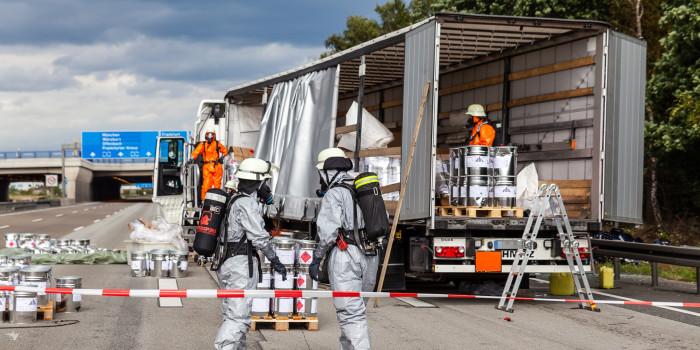 Verkehrchaos: Zwei Lkw-Unfälle auf der A3 – Gefahrgut sorgt für stundenlange Vollsperrung