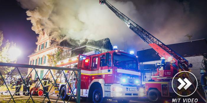 Domänenkellerei Eltville in Flammen – Fünf Drehleitern und 130 Kräfte im Einsatz