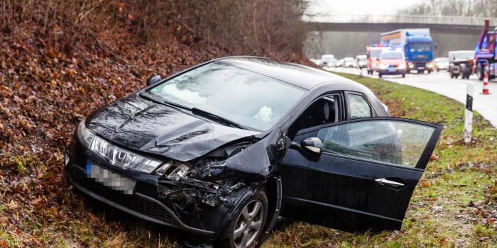 Eine Verletzte bei Auffahrunfall in B455-Abfahrt Erbenheim