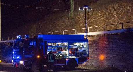 """""""Person unter Zug"""" endet glimpflich – Personensuche auf der Bahntrasse Assmannshausen"""
