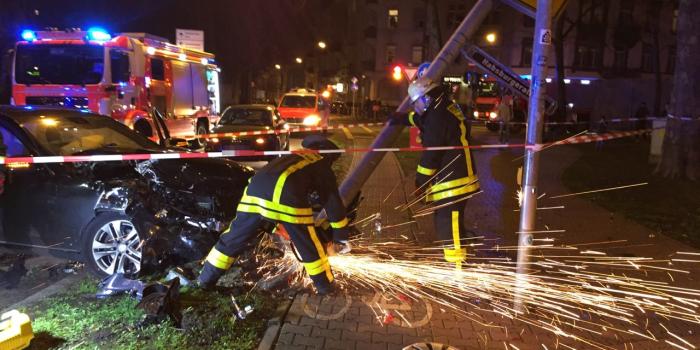50.000€ Schaden bei Verkehrsunfall in Frankfurt Bornheim