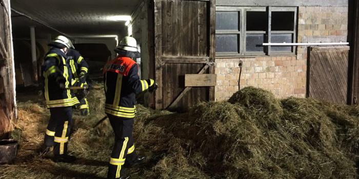 Großeinsatz in Bad Schwalbach: Heuballenbrand in Scheune schnell gelöscht