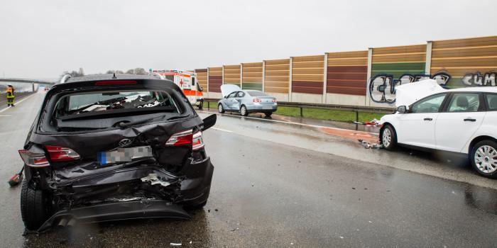 Unfall an Stauende – 10 Verletzte auf der A3 bei Weilbach