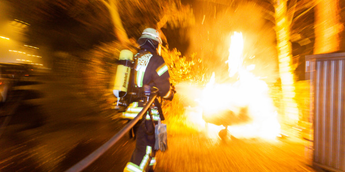 Mehrere Brände in der Castellumstraße in der Nacht zum Samstag