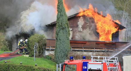 Mehrere Brände im Rheingau und Wiesbaden geklärt – 45-jähriger Brandstifter ermittelt