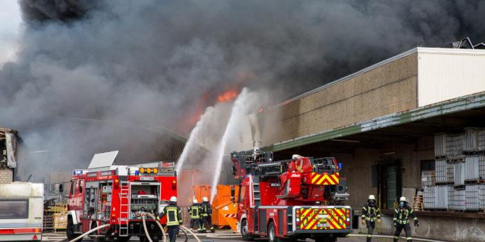 Großbrand in Heidesheim ruft Feuerwehren von Mainz bis Bingen auf den Plan