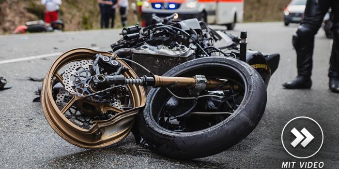 Schwerer Motorradunfall zur Saisoneröffnung auf der B54
