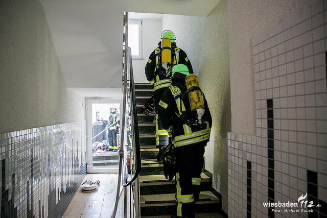Wohnung in Biebrich ausgebrannt – Rauchwarner warnt Nachbarn