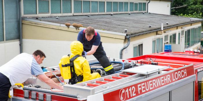 Trinkwasser nach Unwettern in Lorch verunreinigt: Feuerwehr errichtet Ausgabestellen