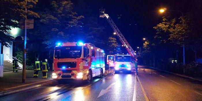 Frankfurt Sachsenhausen: Pflegepersonal rettet nicht gehfähigen Senior aus brennendem Zimmer