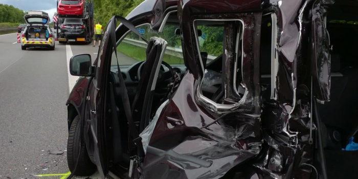 Schwerverletzter bei Unfall mit zwei Autotransportern in Saulheim