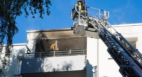 Balkonbrand macht Wohnung unbewohnbar