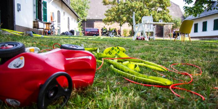 Familiendrama in Rüdesheim: Mann steckt Ehefrau in Brand und stirbt in den Flammen