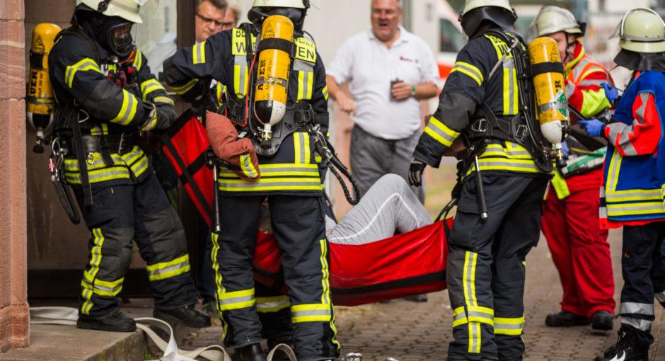 Großübung: Brand in Pflegeheim