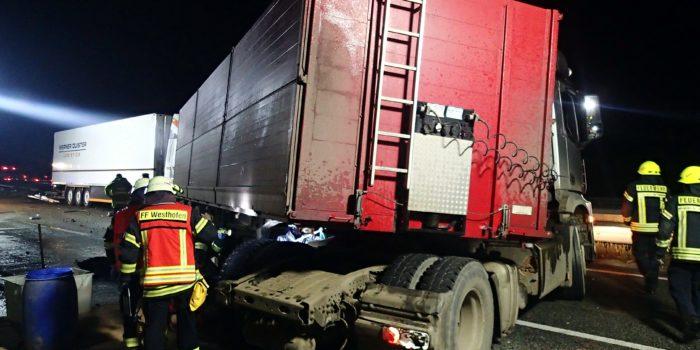 130.000€ Schaden – Schwerer Unfall mit drei LKW´s auf der A61