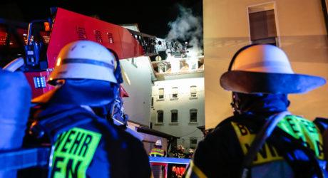 Dachgeschosswohnung in Biebrich brennt völlig aus