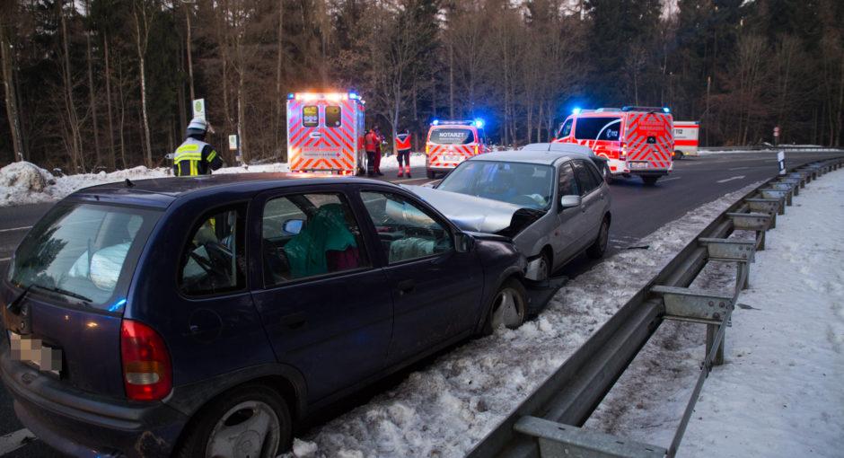 Frontalzusammenstoß auf der Eisernen Hand – Zwei Personen teils schwer verletzt