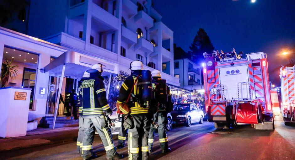 Eingebranntes Kochgut und beschädigte Gasleitung beschäftigten Feuerwehr und Rettungsdienst