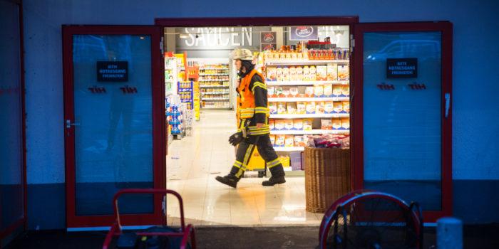 Kühlmittelaustritt in Supermarkt – 6 Mitarbeiter verletzt