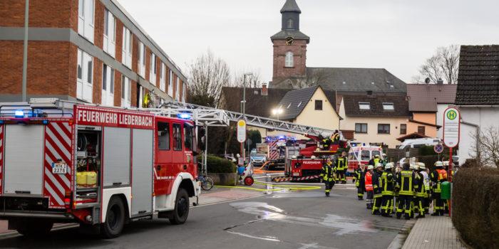 Zimmerbrand in Asylunterkunft – 94 Personen evakuiert