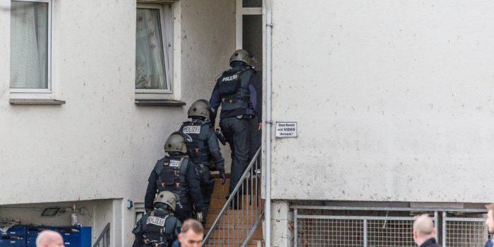 SEK-Einsatz in Geisenheim: Gemeldetes Feuer entwickelt sich zu Gefahrenlage