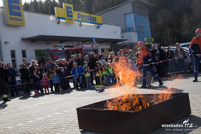 Feuer mit Menschenleben in Gefahr – Showübung der Jugendfeuerwehren der Stadt Bad Schwalbach