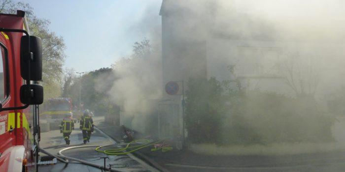 Starke Rauchentwicklung bei Brand in Einfamilienhaus