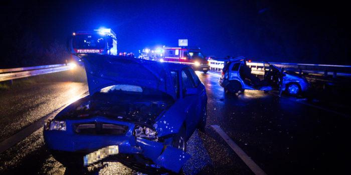Fünf teils schwer Verletzte bei Zusammenstoß auf der A66