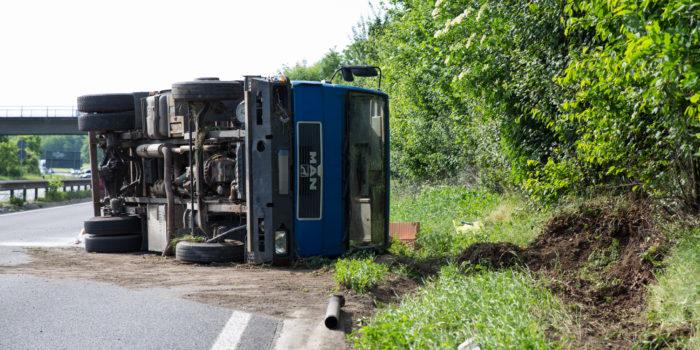 Umgestürzter Lkw auf der A60 sorgt für lange Staus