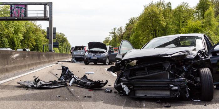 Sieben Verletzte bei Verkehrsunfall auf der A5
