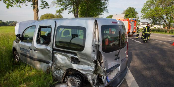 In den Gegenverkehr geraten – Vollsperrung der B42 nach Unfall