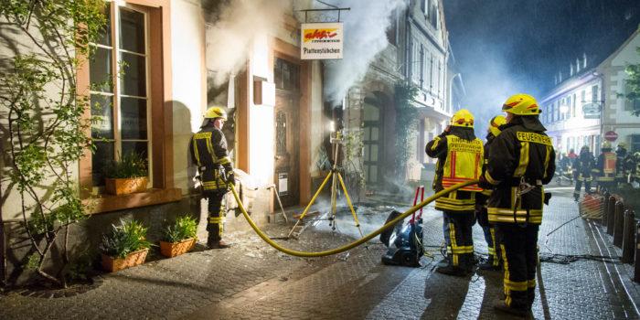 70.000 Platten und CDs verbrennen bei Gebäudebrand in Geisenheim
