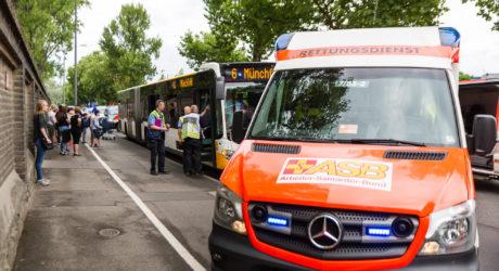 Unfall mit Linienbus: Sieben Verletzte nach Vollbremsung