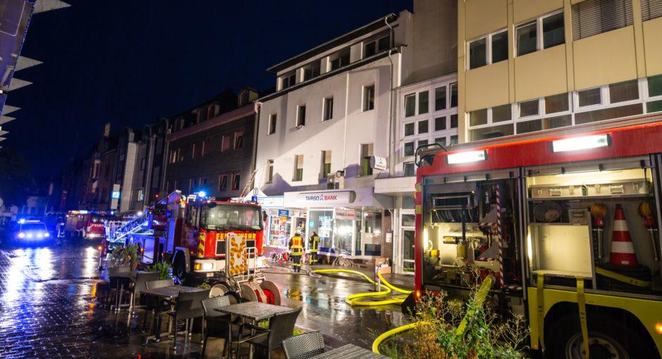 Brand in Limburger Innenstadt – 24 Personen teils über Drehleiter gerettet