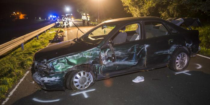 Überschlag mit Pkw: Fahrer wird herausgeschleudert und stirbt
