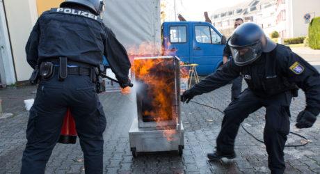 Wenn die Polizei Feuerwehr lernt – Brandschutzunterweisung nach neuem Konzept
