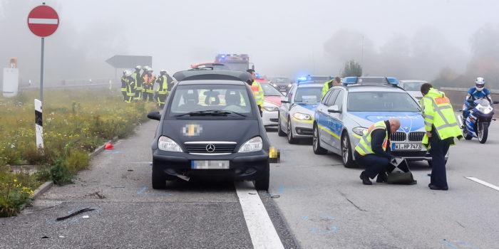 Tödlicher Unfall auf der A66: Mann schiebt defekten Pkw auf dem Seitenstreifen und wird von Kleintransporter erfasst