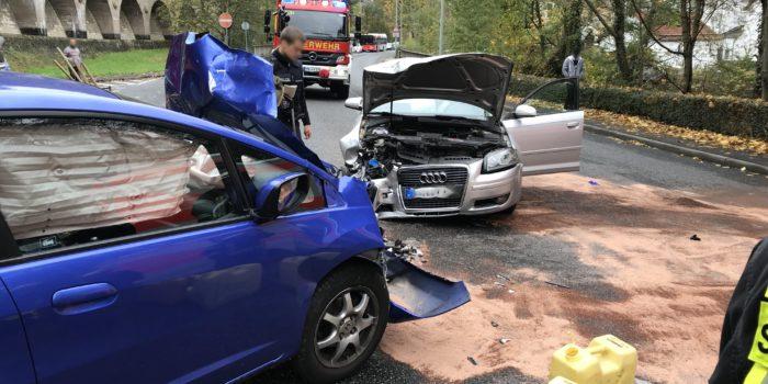 Frontalzusammenstoß auf der B455 in Eppstein – Drei Verletzte
