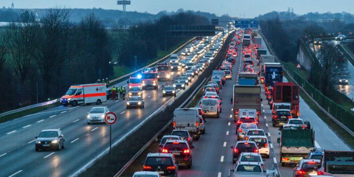 Zwei Unfälle sorgen für Verkehrschaos auf der A66