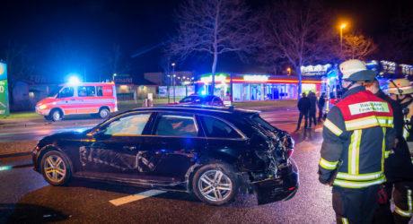 Drei Kreuzungsunfälle im Tagesverlauf: Sechs teils schwer Verletzte und eine beschädigte Ampel