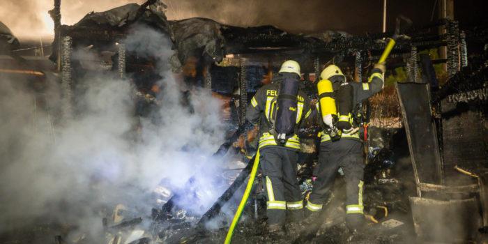 Nach tödlichem Feuer auf Campingplatz: Brandopfer identifiziert – Todesursache geklärt